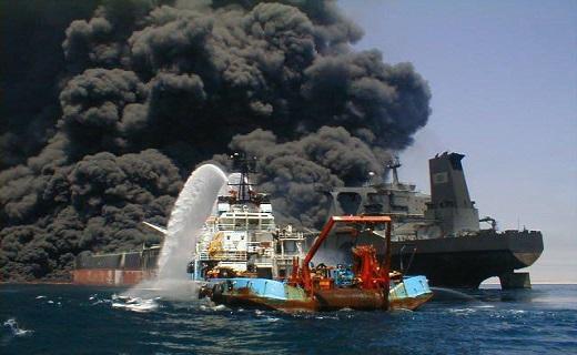 بررسى زوایاى حادثه نفتکش سانچى/ از کارشکنى چینىها تا حقیقتى پنهان در جعبه سیاه کشتى! کشتی نفتکش سانچی با ۳۲ سرنشین، پس از ۸ روز در آتش سوختن، در امواج اقیانوس آرام برای همیشه آرام گرفت.
