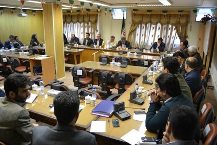 نشست مدیرعامل شرکت شهرک های صنعتی گیلان با معاونین و مدیران شهرک ها و نواحی صنعتی استان