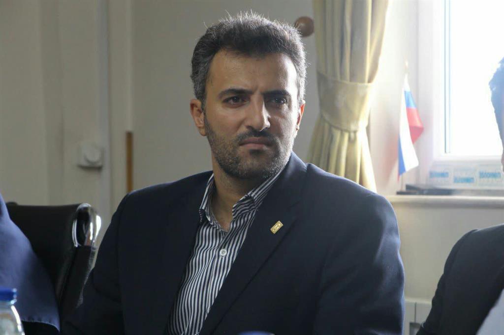 علی مقصودی ،معاون خدمات شهری شهرداری رشت :  کشاورزان از سوزاندن کاه و کُلش خودداری کنند