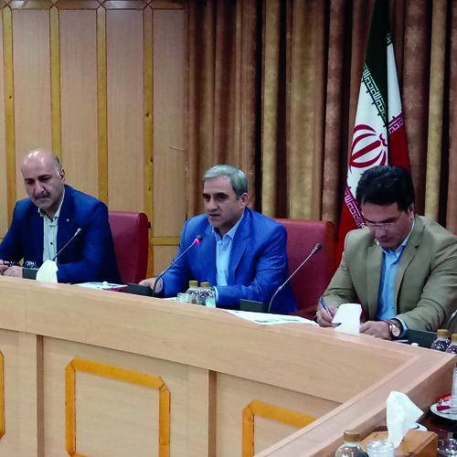رئیس سازمان صنعت، معدن و تجارت استان گیلان گفت:  به شرط تامین بازار مرغ گیلان، مازاد آن در سایر استانها عرضه شود