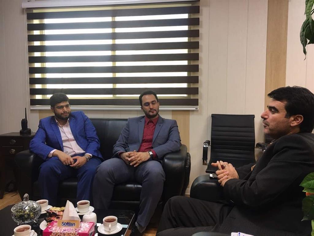 نشست مشترک مهندس عطایی شهردار منطقه ۱ رشت و بنیاد شهید و امور ایثارگران