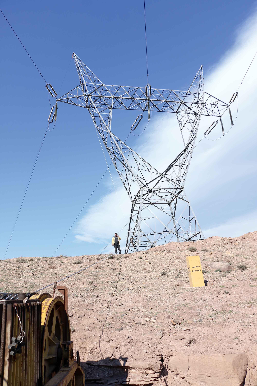 رئیس اداره تعمیرات خطوط شرکت سهامی برق منطقه ای گیلان:  نصب فیبر نوری (OPGW) بر روی خط ۲۳۰کیلوولت سپیدرود- نیروگاه شهیدبهشتی لوشان
