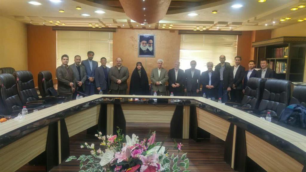 دیدار اعضای شورای اسلامی رشت و مدیر پروژه قطار شهری با اعضای شرکت واگن سازی Norinco
