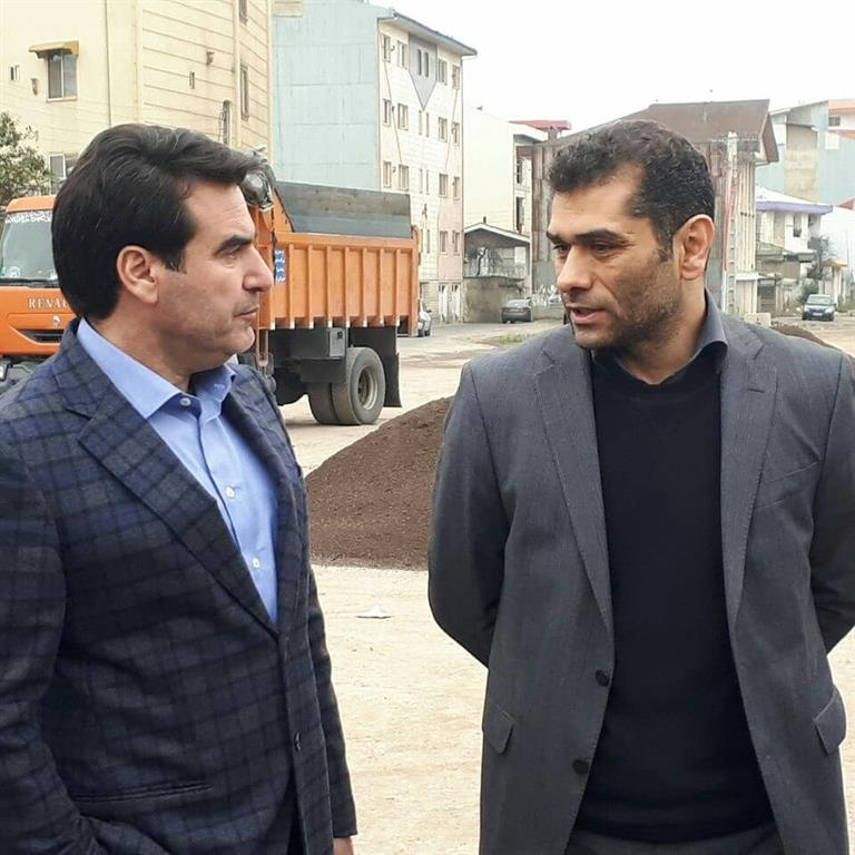 بازدید سرپرست شهرداری رشت، مدیر منطقه یک شهرداری و رئیس سازمان عمران و بازآفرینی فضاهای شهری از خیابان ۸ دی