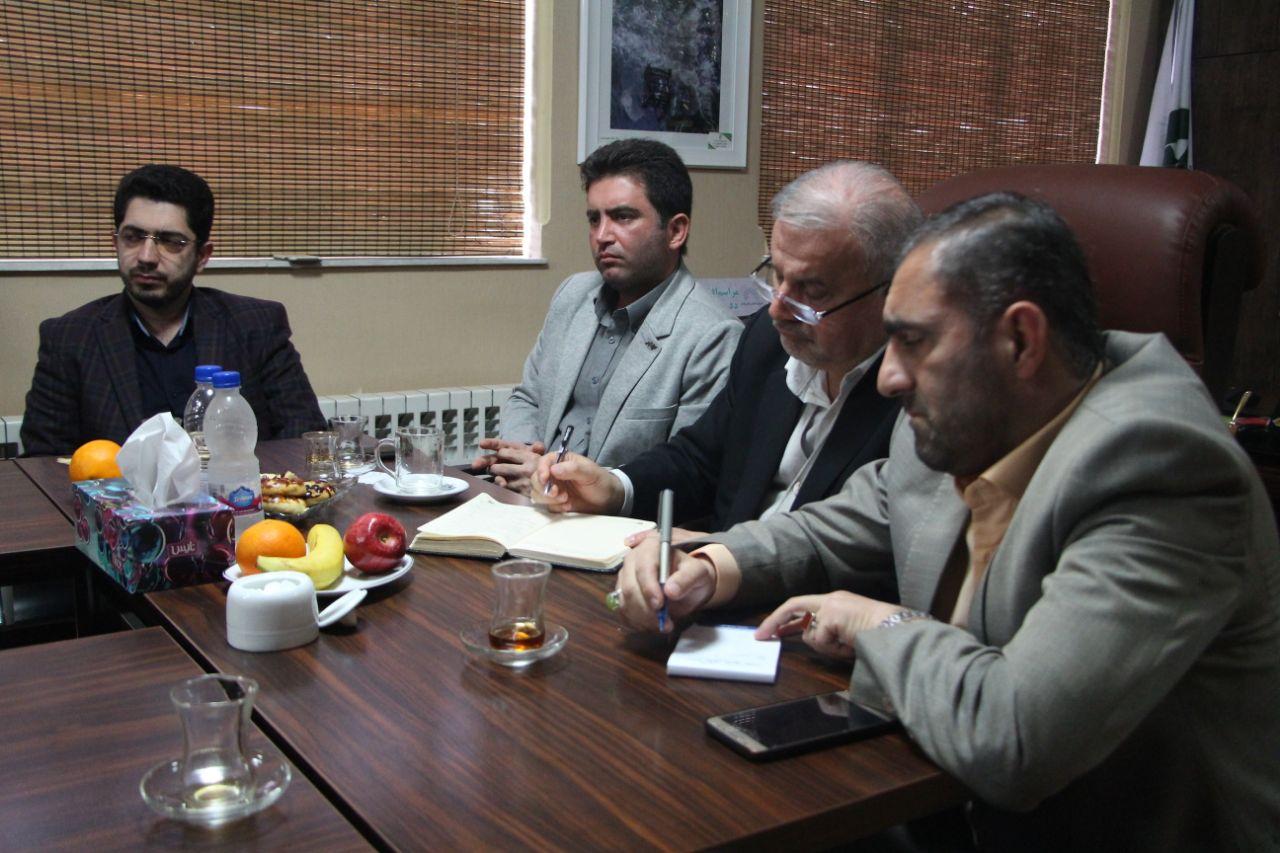 جلسه پیگیری مطالبات و پرداخت مطالبات عقبمانده شهرداری نسبت به پیمانکاران برگزار شد