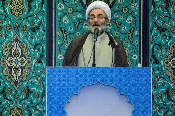 امام جمعه رشت تأکید کرد:  استفاده از نیروهای ارزشی در رأس امور/ضرورت توجه به شایسته سالاری