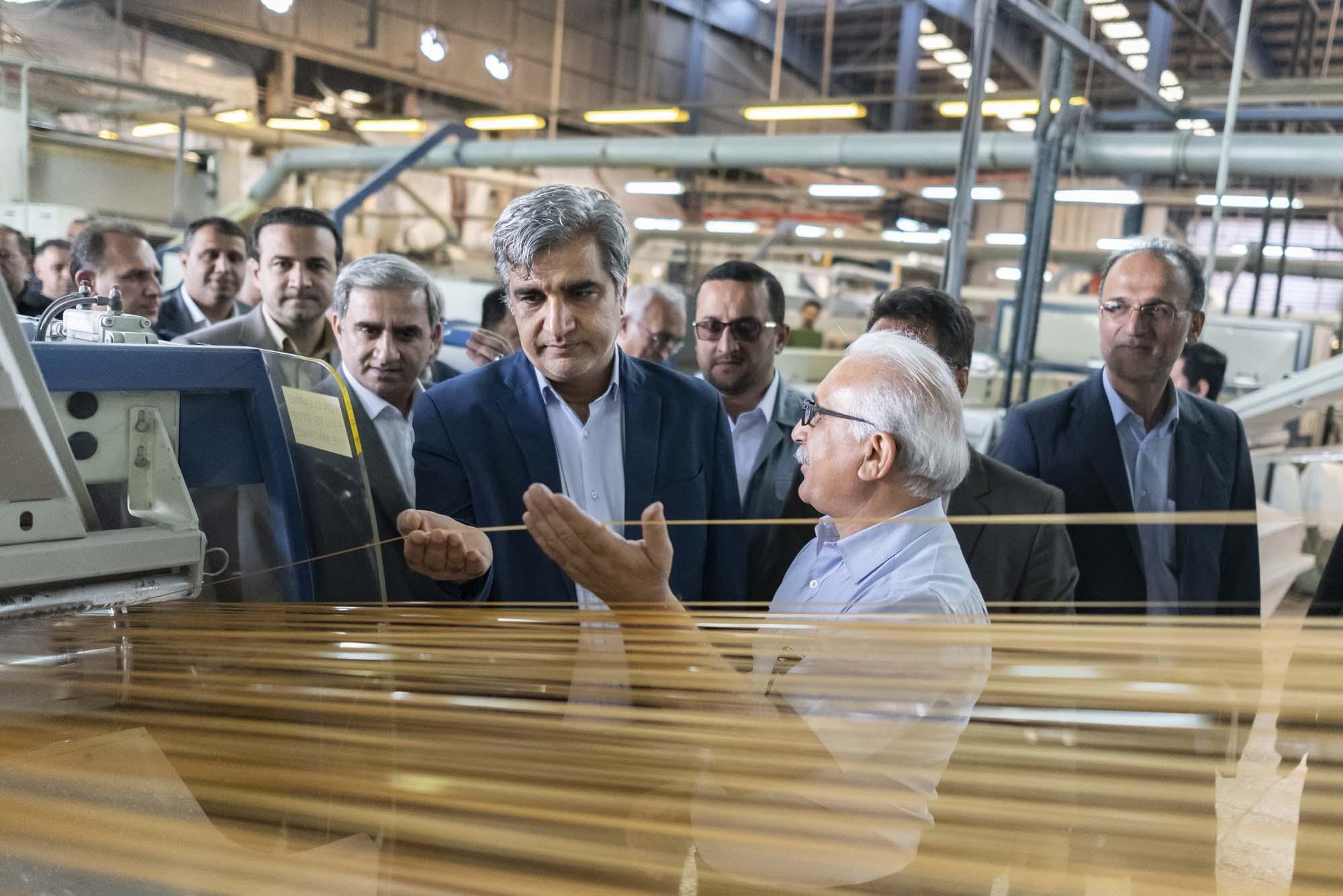 بازدید استاندار گیلان از واحدهای صنعتی و کارخانجات تولیدی