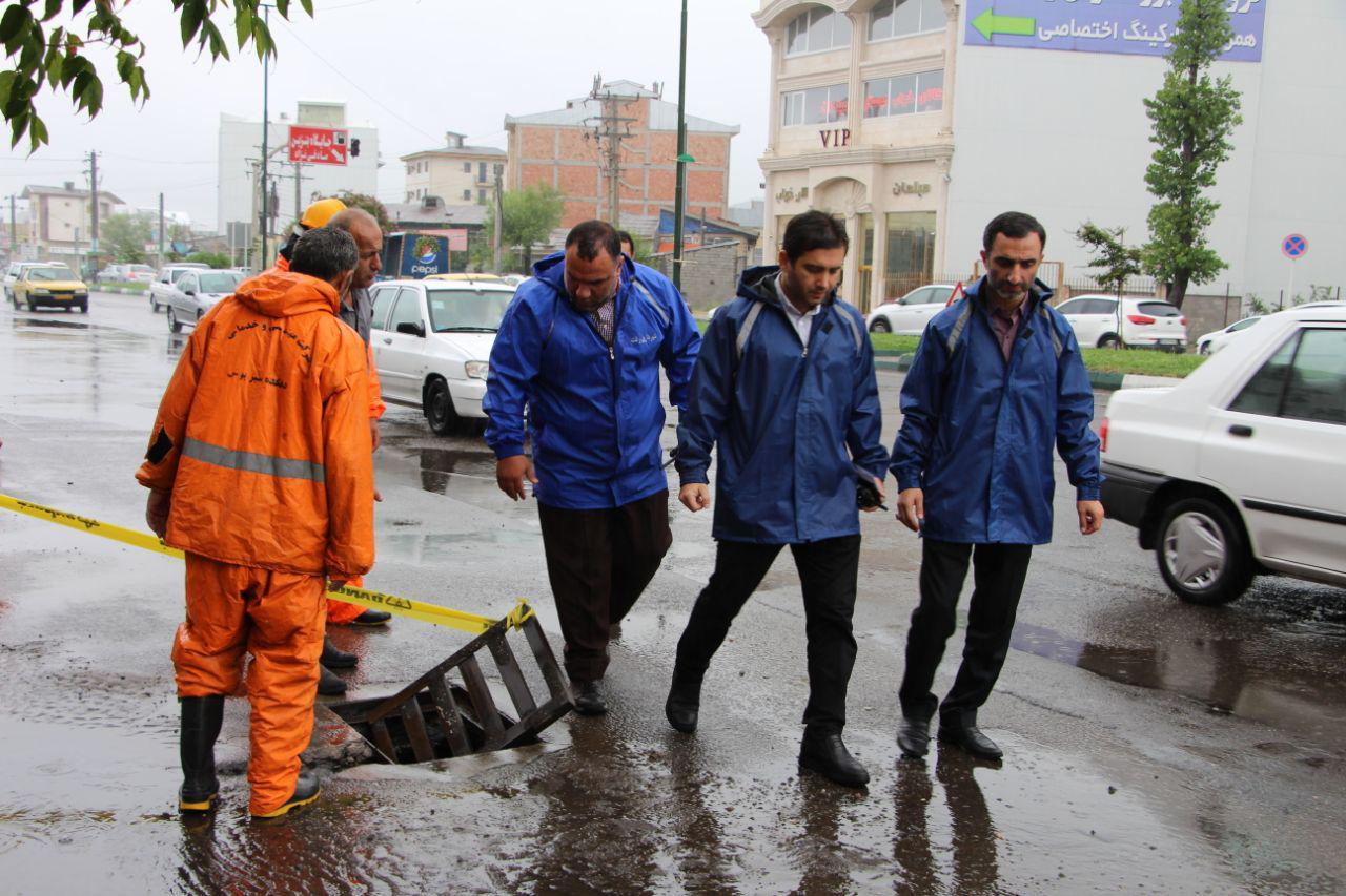 علیرضا حاجی پور :با تمام توان سعی میکنیم بارندگی ها مشکلی در معابر ایجاد نکند