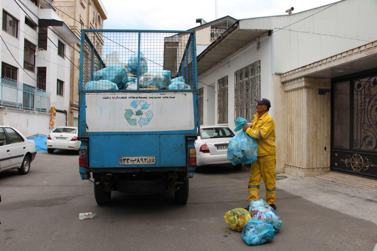 گزارش تصویری از انجام عملیات روزانه جمع آوری زباله خشک سازمان مدیریت پسماندهای شهرداری رشت