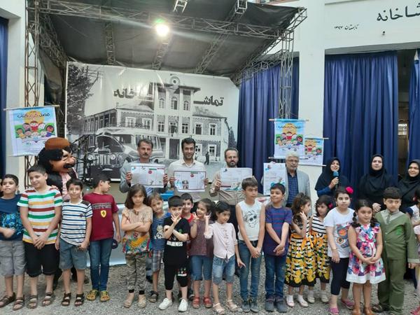 برگزاری جشن کودکان شهر باران های نقره ای «پویش فصل گرم کتاب» در تماشاخانه سازمان فرهنگی، اجتماعی و ورزشی شهرداری رشت