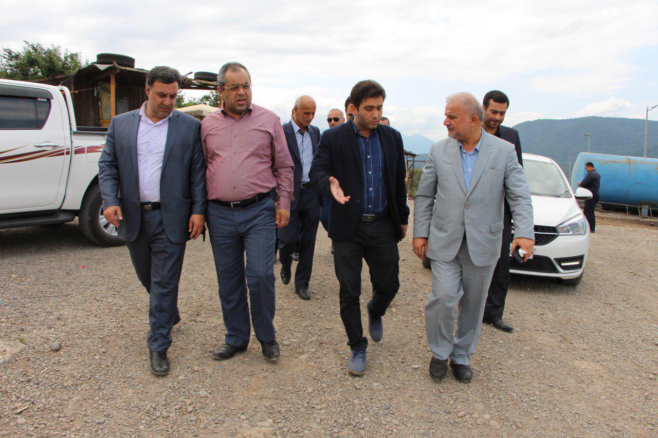 بازدید دکتر رمضان پور نرگسی از کارخانه کود آلی و دفنگاه سراوان