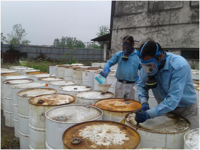 اجرای فاز دوم عملیات جمع آوری و امحای پسماندهای ویژه و صنعتی در شرکت گاز گیلان