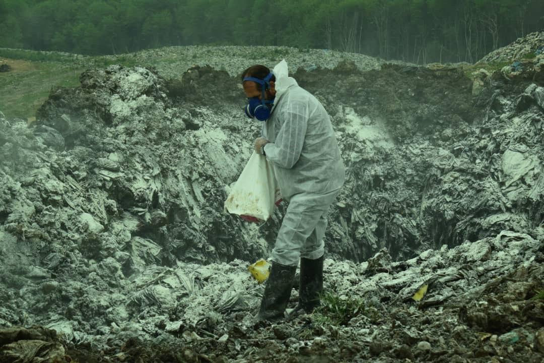 وضعیت دفنگاه زباله های سراوان در روزهای کرونایی