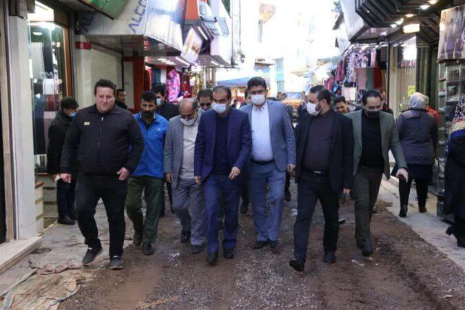 شهردار رشت از پروژه هدایت آبهای سطحی در بازار بزرگ رشت بازدیدکرد