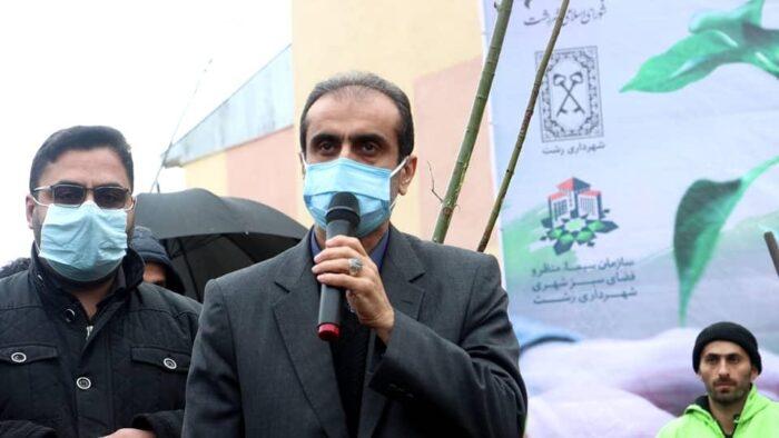 شهرداری رشت ۵۰۰۰ اصله نهال را در سطح شهر توزیع میکند