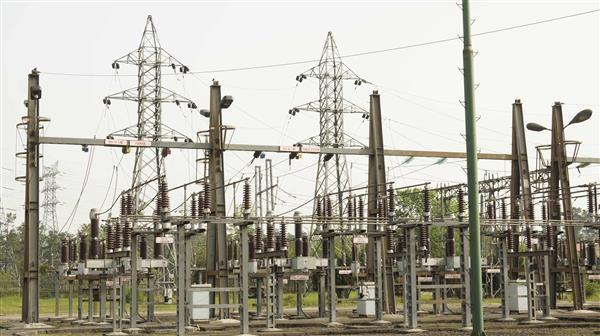 آغاز عملیات اجرایی توسعه سه فیدر ۲۰ کیلوولت پست ۶۳/۲۰ کیلوولت شهر صنعتی رشت