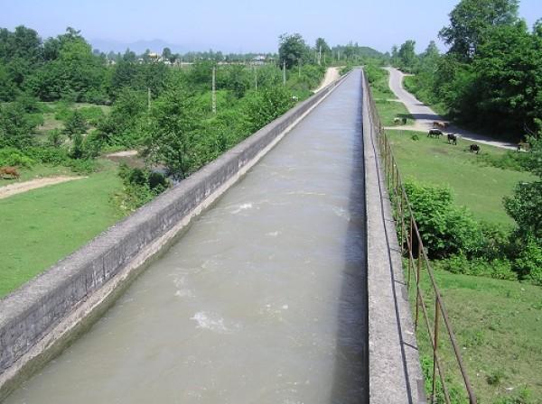 چهارمین مرحله آبگذاری شالیزارهای مناطق مرکزی گیلان