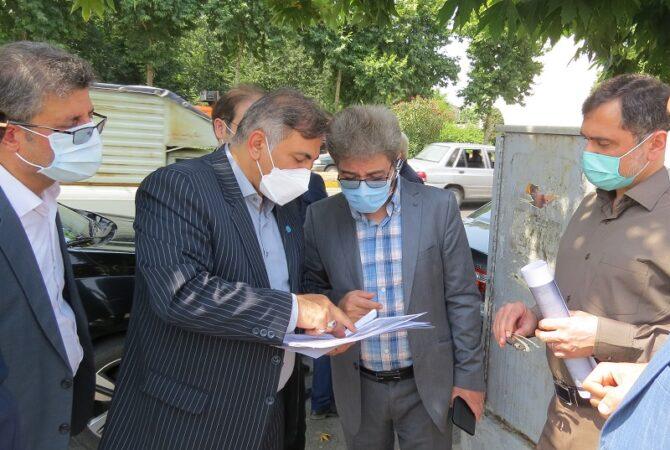 بازدید مدیران درمان و بیمه ای از زمین خریداری شده برای احداث ساختمان درمانگاه و شعبه لاهیجان