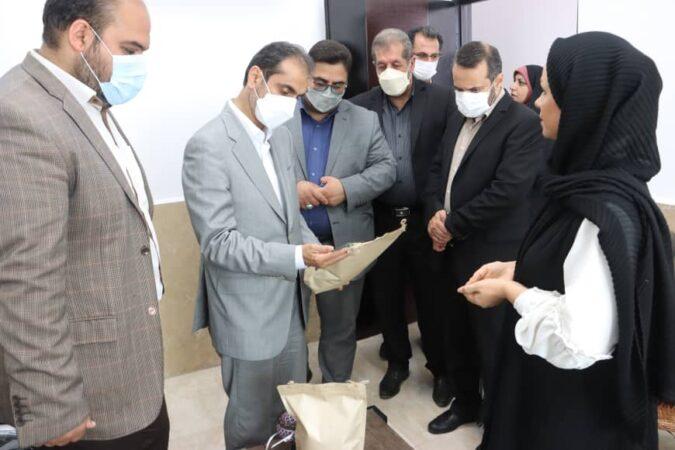 بازدید شهردار رشت از خانه کارآفرینی و صنایع دستی شهرداری رشت